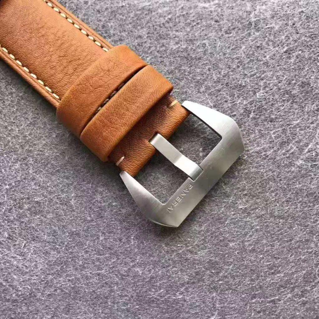 PAM 127 fake Watch