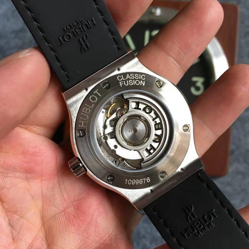 Replica Hublot Classic Fusion 42mm black