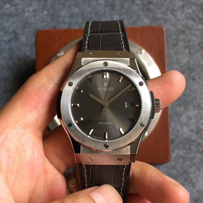 Replica Hublot Classic Fusion 42mm